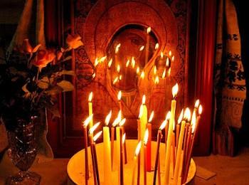 κεριά - Παναγία - Εικονοστάσι