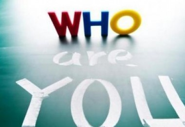 ποιος είσαι - who are you